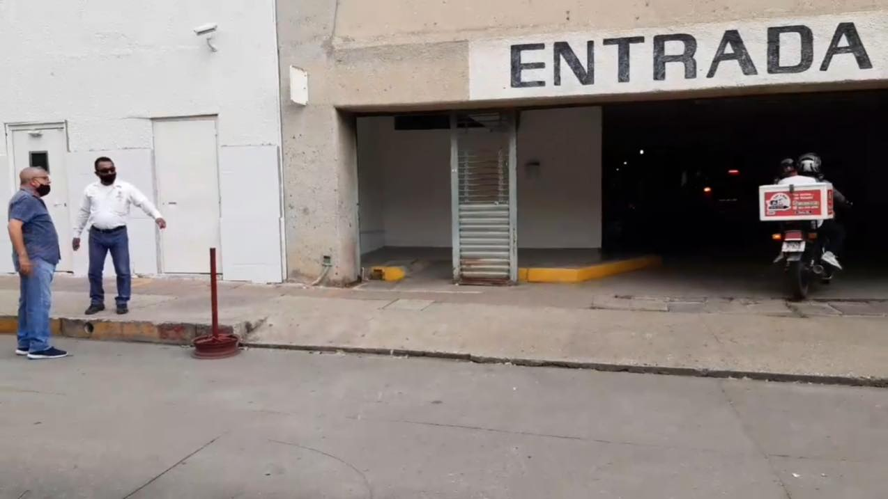 Asaltantes roban 200 mil pesos a cuentahabiente
