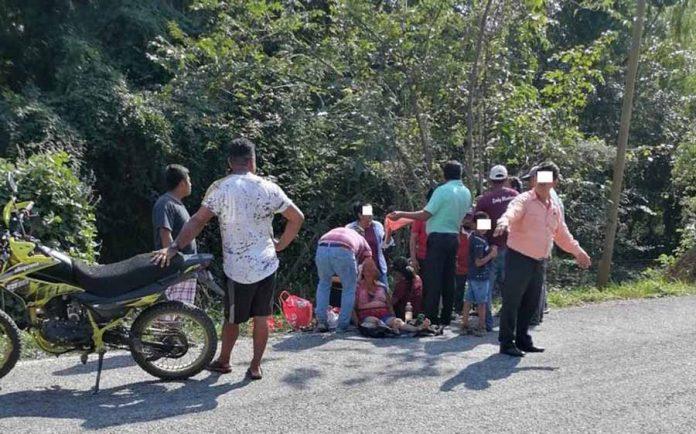 Mujer derrapara y le cuesta la vida a su mamá en Mapastepec